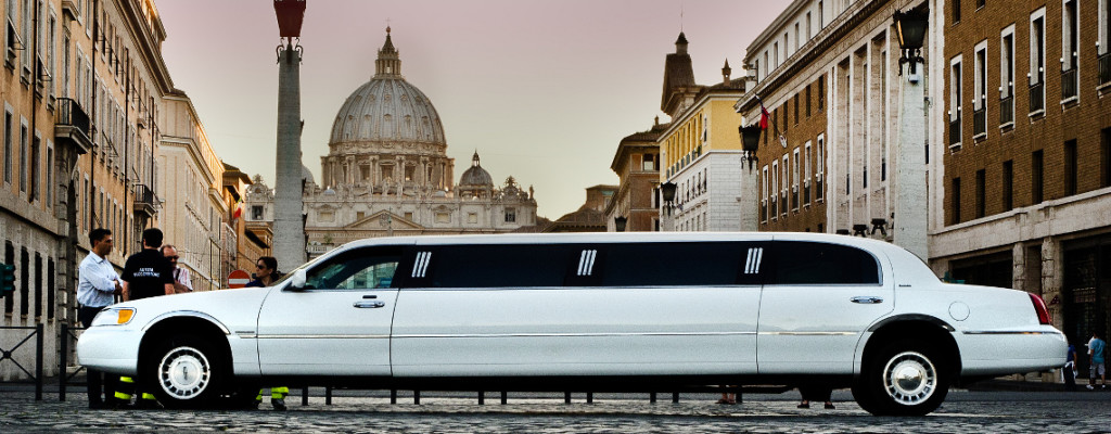 Rent A Limo Service in Italy